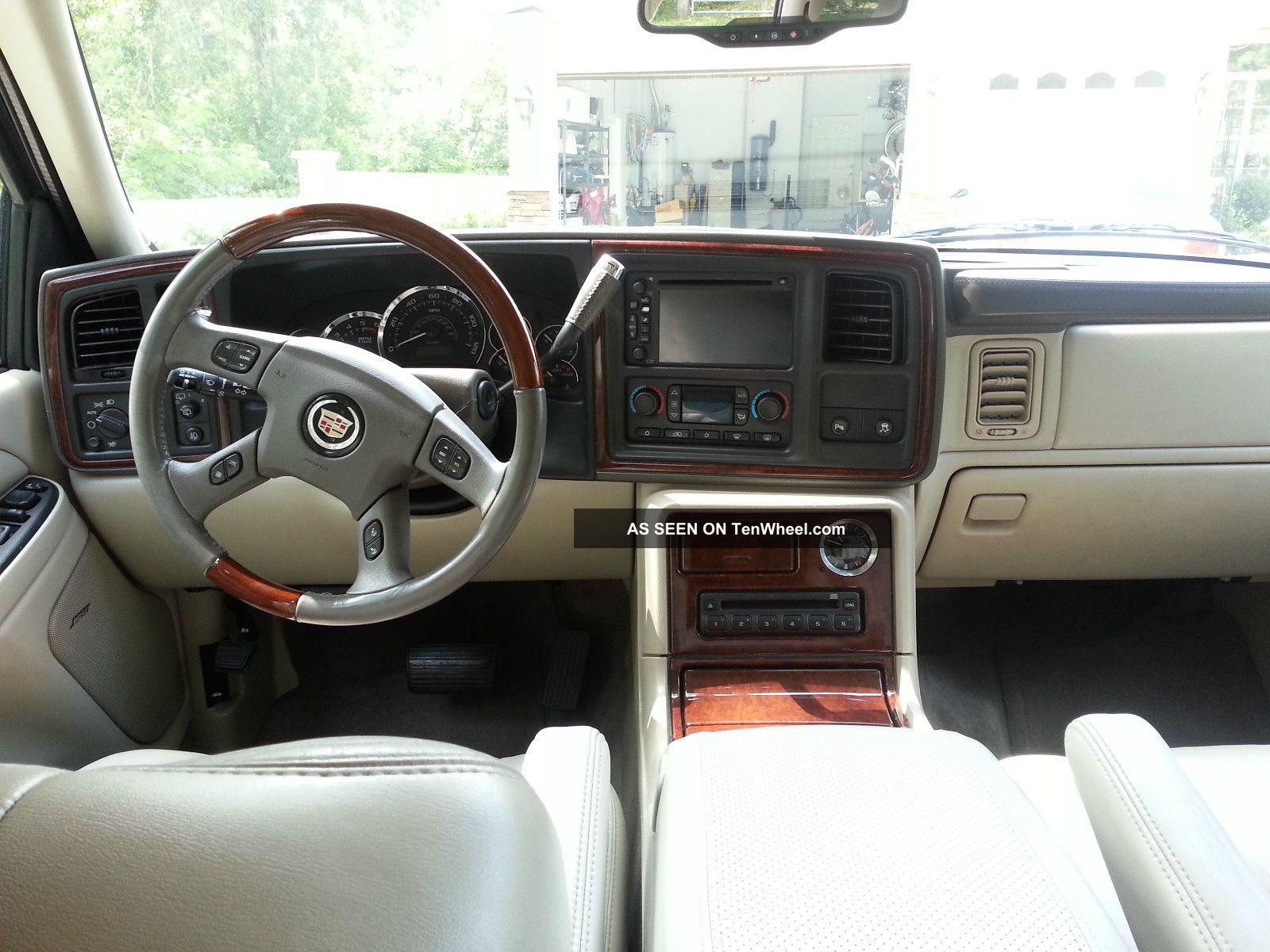 2005 Cadillac Escalade Base Sport Utility 4 Door 6 0l