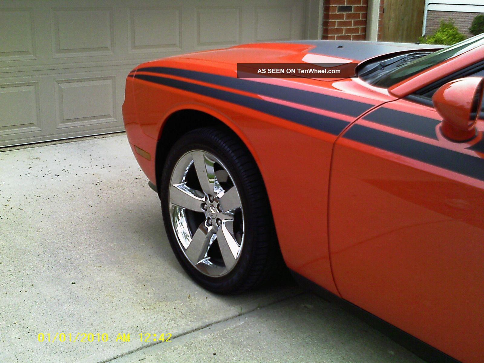 2010 Dodge Challenger R / T Coupe 2 - Door 5.  7l Challenger photo