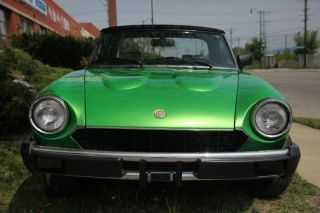 1981 Fiat Spider 124 photo