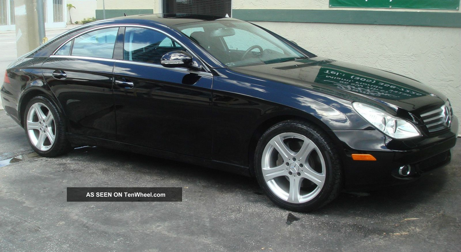 2007 Mercedes - Benz Cls550 Base Sedan 4 - Door 5.  5l CLS-Class photo