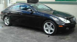 2007 Mercedes - Benz Cls550 Base Sedan 4 - Door 5.  5l photo