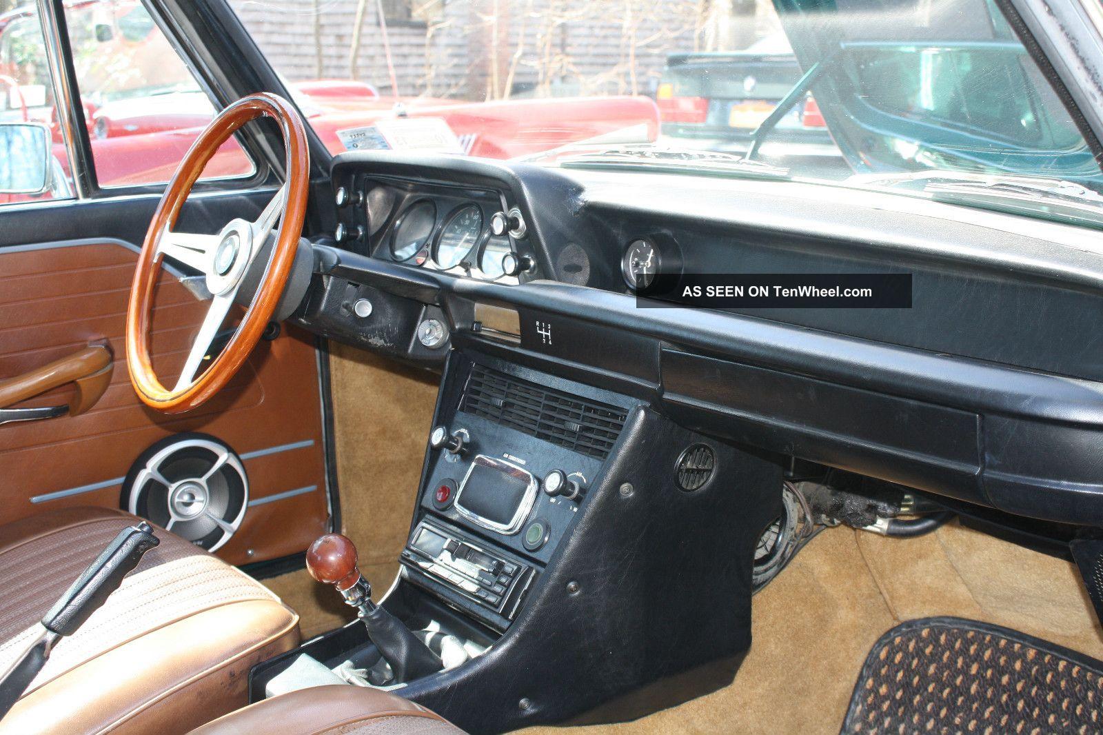 bmw  tii green  brown interior