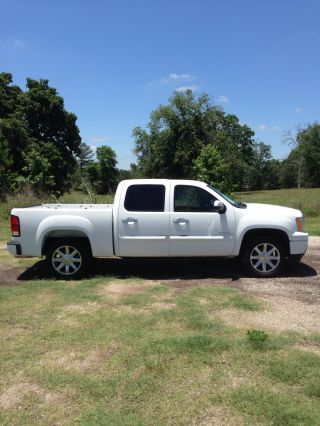 2010 Gmc Sierra Denali Base Crew Cab Pickup 4 - Door 6.  2l photo