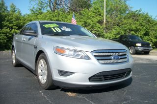 2010 Ford Taurus Se Sedan 4 - Door 3.  5l photo
