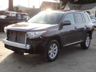 2012 Toyota Highlander Damadge Repairable Good Cooling Good Airbags Runs photo