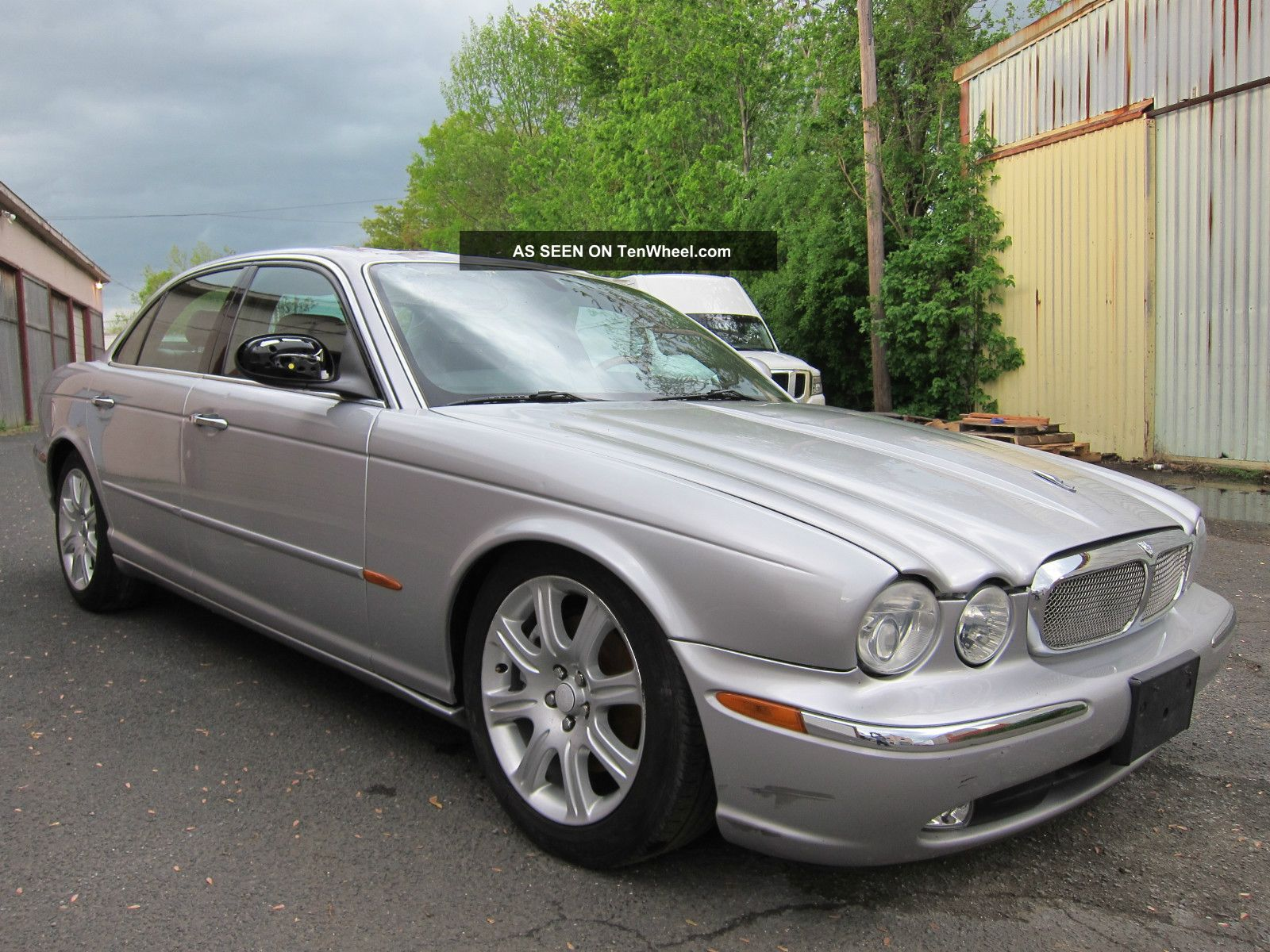 jaguar xj8 2004 storm damage to roof car priced to sell. Black Bedroom Furniture Sets. Home Design Ideas