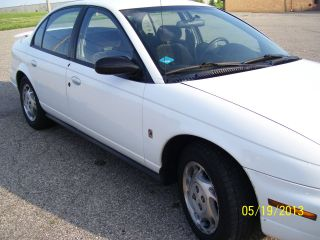 1997 Saturn Sl2 Sedan,  Automatic Transmission,  4 - Door 1.  9l,  White photo