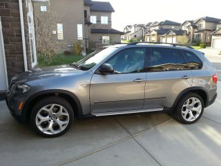 2008 Bmw X5 4.  8i Sport Suv Private 2 Sets Of Wheels Autocheck Report photo