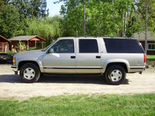 1999 Chevrolet Suburban Ls 1500 4wd,  Loaded,  Rust,  Very. photo