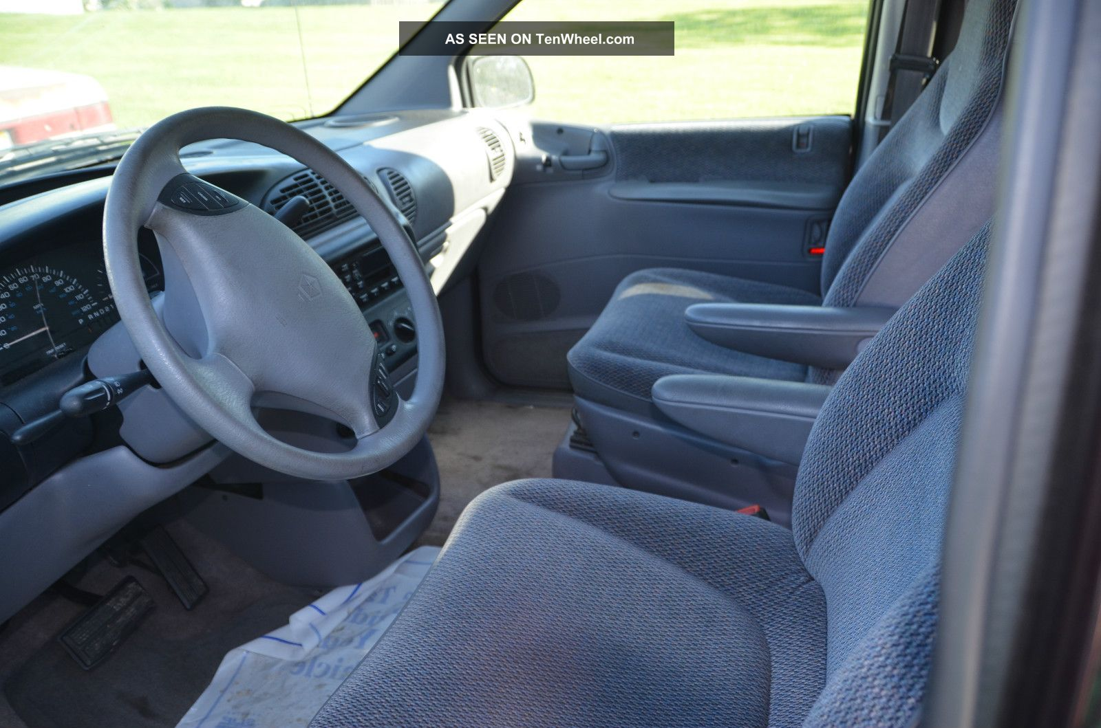 1997 Dodge Grand Caravan Se Mini Van 4