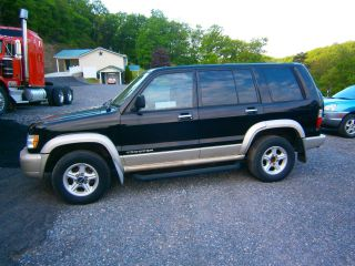 2000 Isuzu Trooper photo