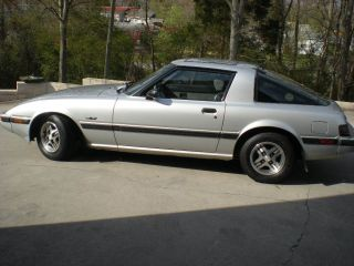 1984 Mazda Rx - 7 Gs Coupe 2 - Door 1.  1l photo