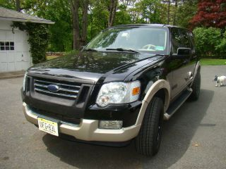 2006 Ford Explorer Eddie Bauer Edition V8 photo