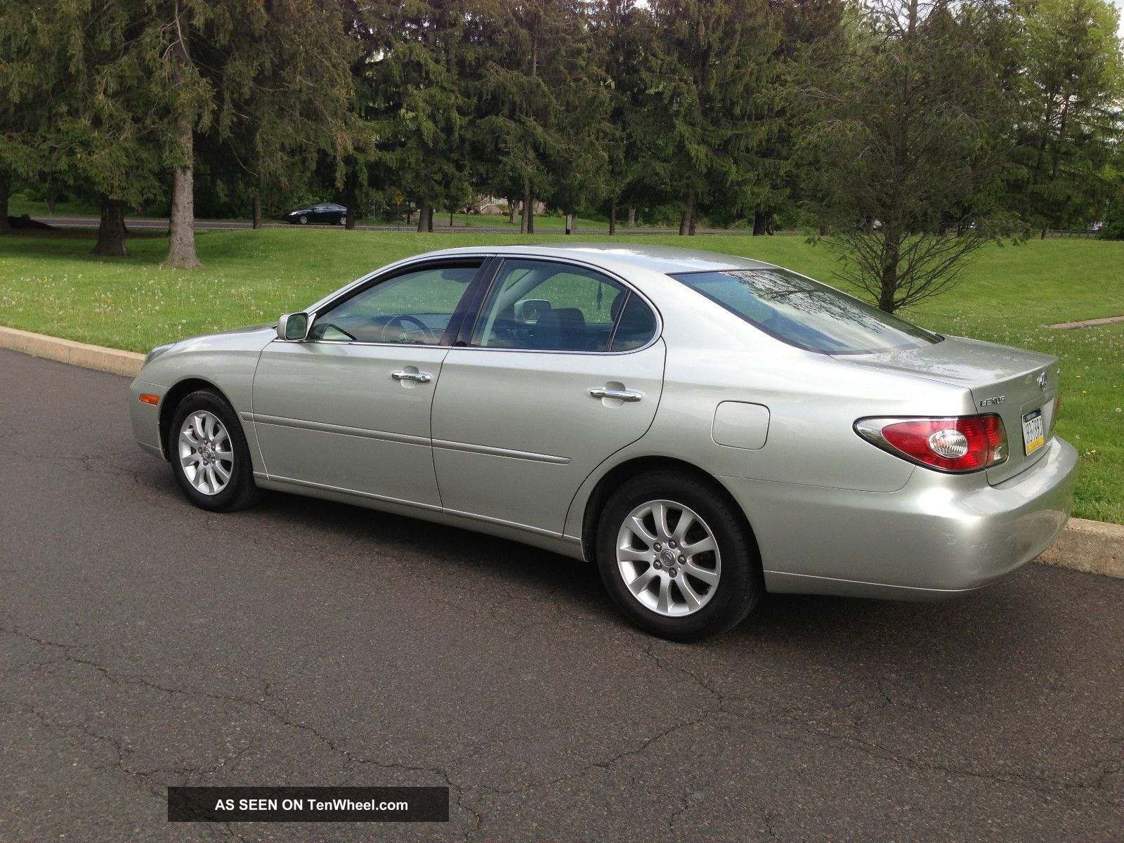 2004 lexus es330 base sedan 4 door 3 3l. Black Bedroom Furniture Sets. Home Design Ideas