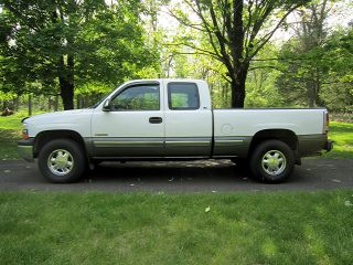 1999 Chevrolet Silverado 1500 Ls Club Cab With 4x4 Pickup Truck With photo