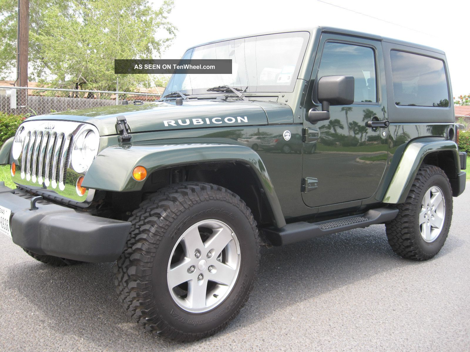 2011 jeep wrangler rubicon sport utility 2 door 3 8l. Black Bedroom Furniture Sets. Home Design Ideas