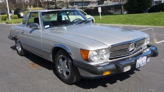 Low - Milage 1986 Mercedes - Benz 560sl Convertible photo