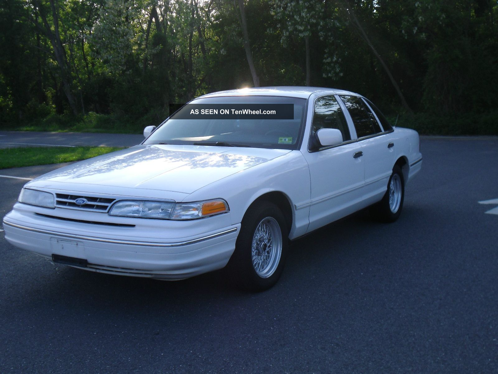 1996 Ford Crown Victoria 88k Title Crown Vic Police Interceptor Nj Cheap Crown Victoria photo