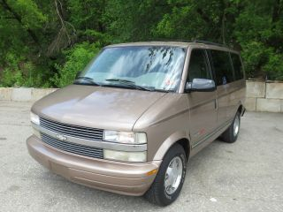 1999 Chevy Astro Awd,  8 Passenger Mini Van,  Reliable,  Many Options,  Inspected photo
