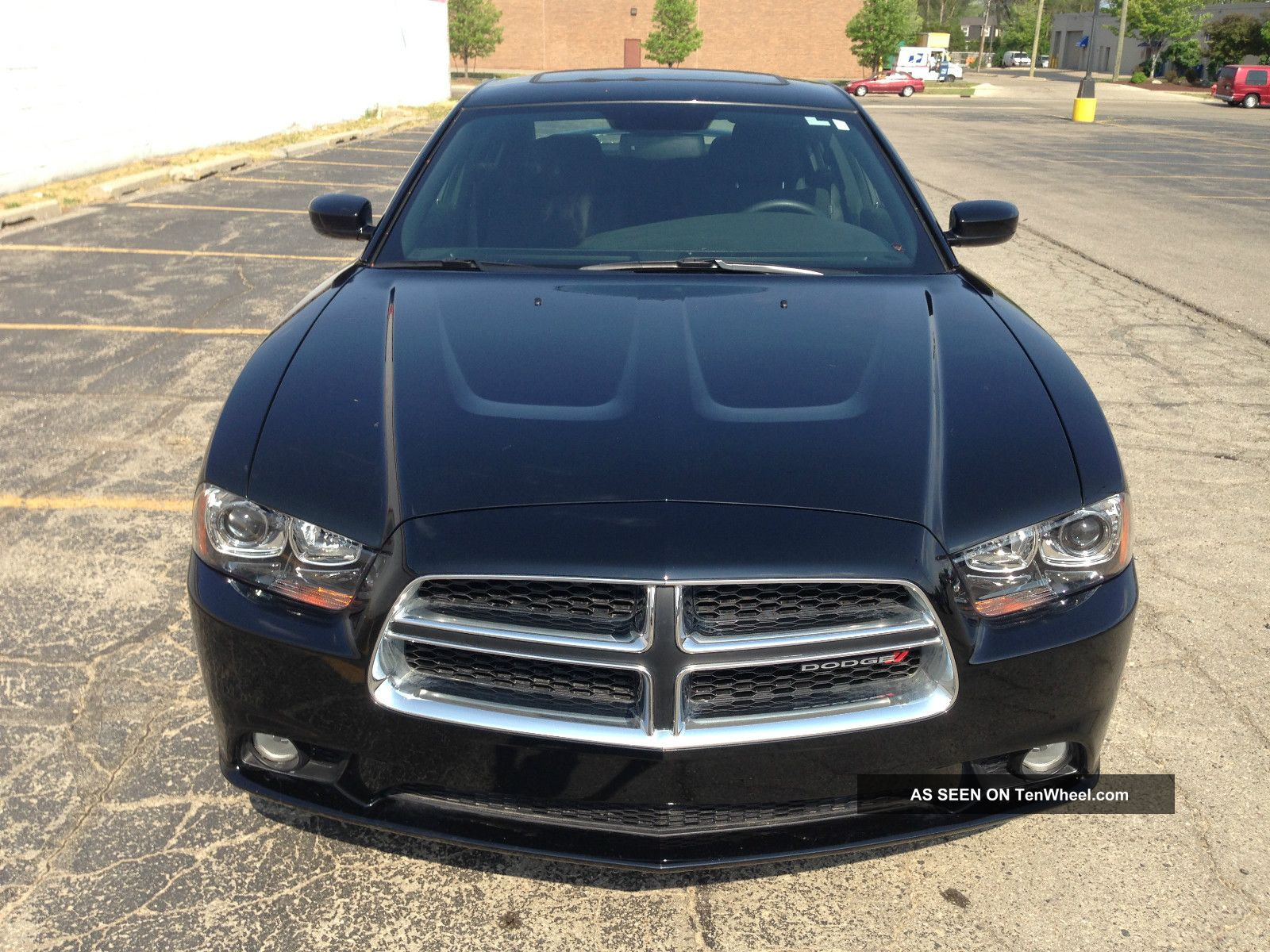 2012 Dodge Charger R / T Hemi (w12134) Charger photo