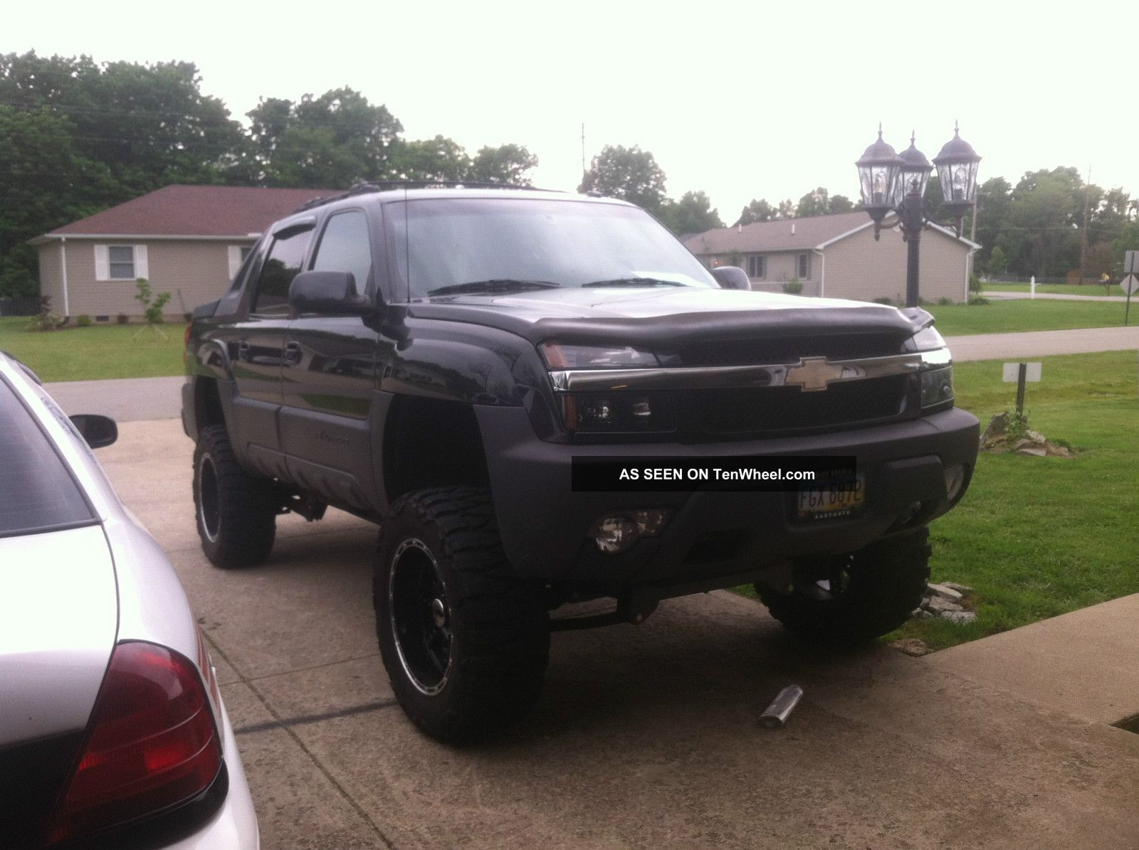 2003 chevrolet avalanche lifted 1500 z71 crew cab pickup 4 door 5 3l. Black Bedroom Furniture Sets. Home Design Ideas