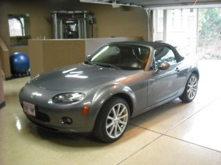 2008 Mazda Mx - 5 Miata Grand Touring Convertible 2 - Door 2.  0l photo