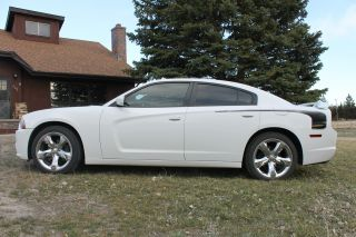 2011 Dodge Charger Se Sedan 4 - Door 3.  6l photo