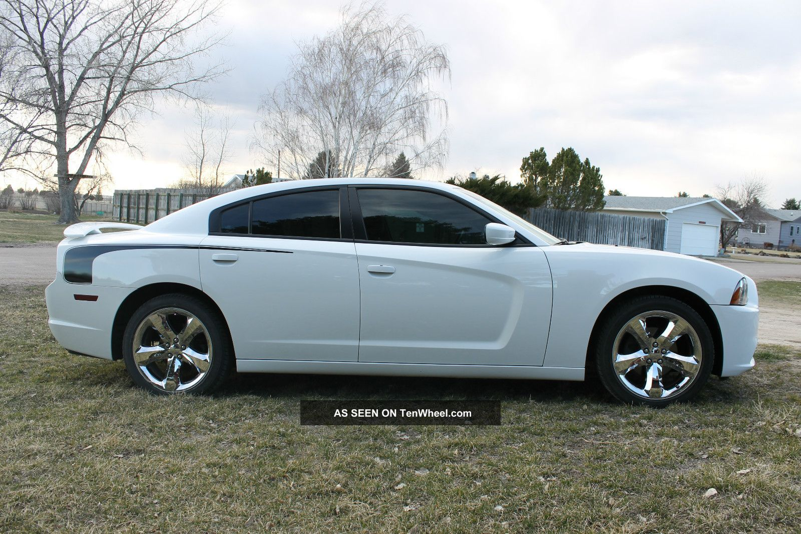 2011 dodge charger se sedan 4 door 3 6l. Black Bedroom Furniture Sets. Home Design Ideas