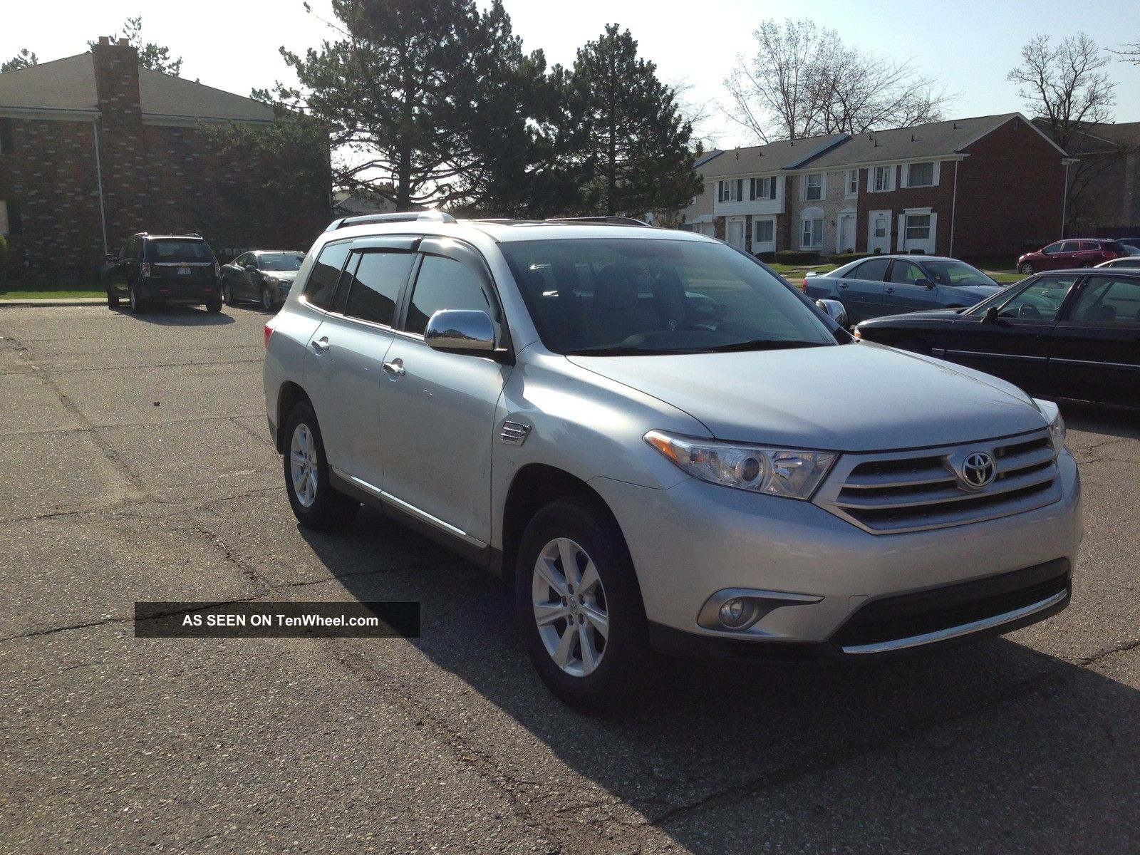 2011 Toyota Highlander Se Sport Utility 4 - Door 3.  5l V6 Highlander photo