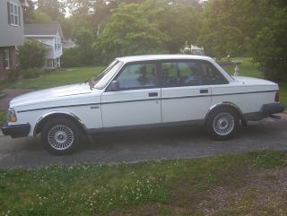 1992 Volvo 240 Base Sedan 4 - Door 2.  3l; Low Miles; photo