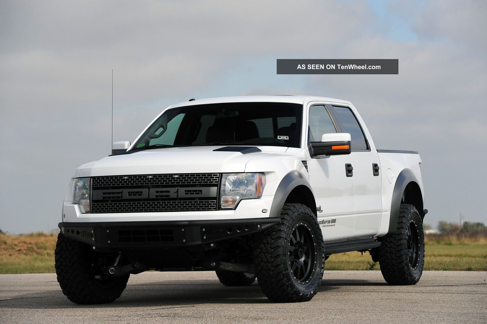 605 Hp Supercharged Hennessey Velociraptor 600 Ford Raptor Truck Svt 2013 F-150 photo