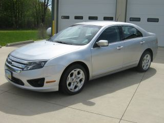 2011 Ford Fusion Se Sedan 4 - Door 2.  5l photo