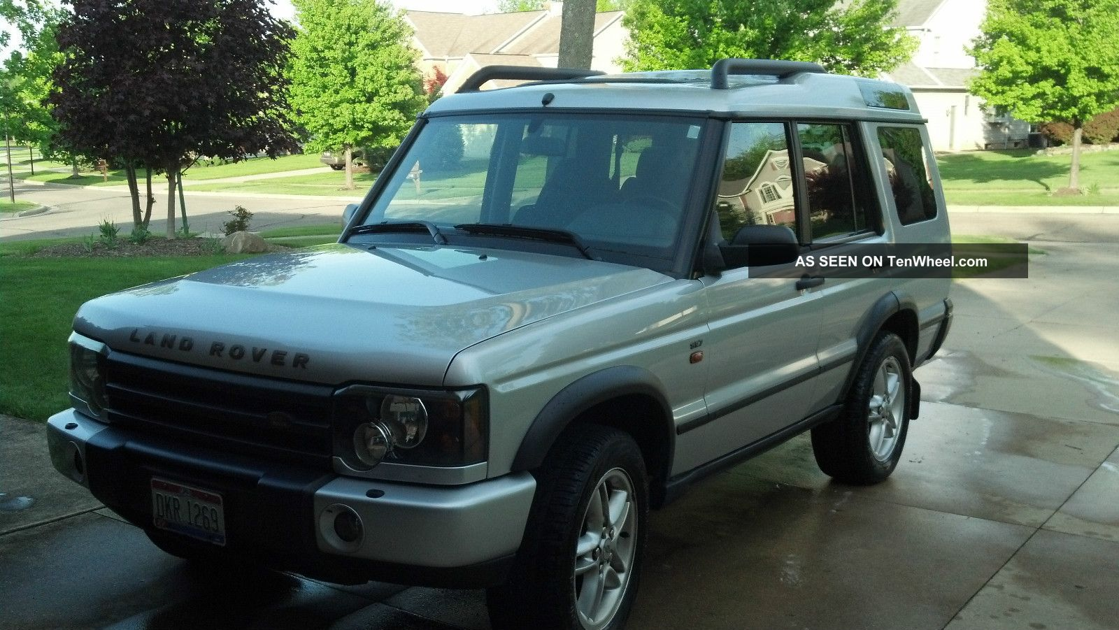 2004 Land Rover Discovery Se7 Sport Utility 4 - Door 4.  6l Discovery photo