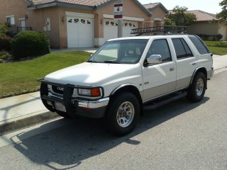 1995 Isuzu Rodeo Ls Sport Utility 4 - Door 2.  6l 4wd - photo