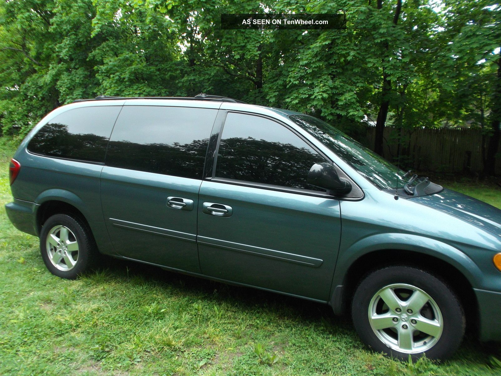 2005 dodge grand caravan sxt mini passenger van 4 door 3 8l. Black Bedroom Furniture Sets. Home Design Ideas