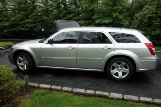 2006 Dodge Magnum Hemi Police 5.  7 photo