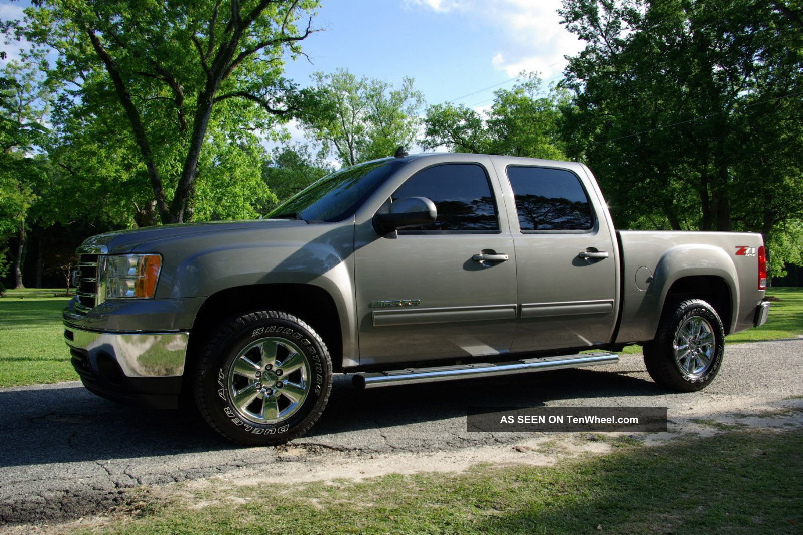 2013 Gmc Sierra Crew Cab 4x4 Z71 Slt,  Gray Exterior With Black Interior Sierra 1500 photo