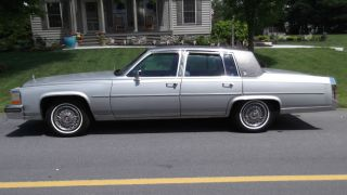 1988 Cadillac Fleetwood Brougham photo