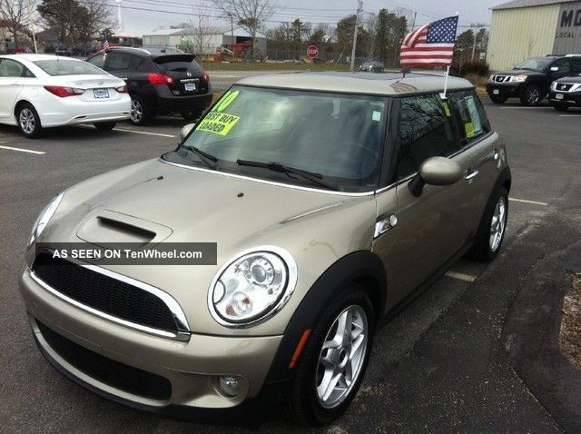 2010 Mini Cooper S Hatchback 2 - Door 1.  6l Cooper photo
