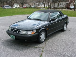 1996 Saab 900 S Convertible 2 - Door 2.  3l photo