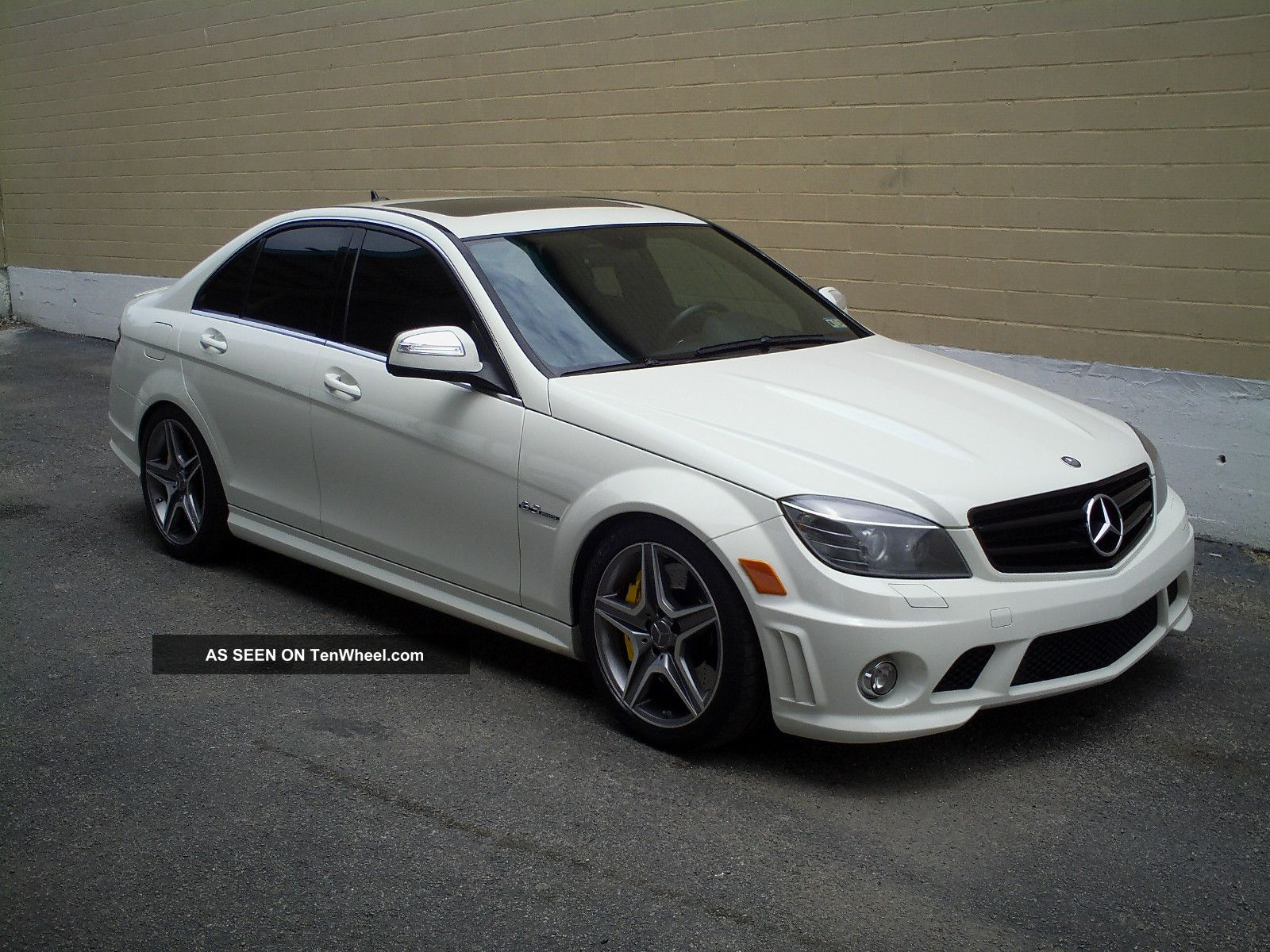 2009 mercedes benz c63 amg base sedan 4 door 6 3l for Mercedes benz c63 amg sedan