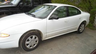 2004 Oldsmobile Alero photo