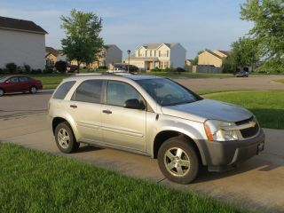 2005 Chevrolet Equinox Ls Sport Utility 4 - Door 3.  4l photo