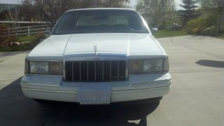 1991 Executive Series Lincoln photo