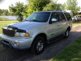 2000 Lincoln Navigator 4x4,  V8,  Loaded,  Third Row Seat,  Cd,  Ac photo