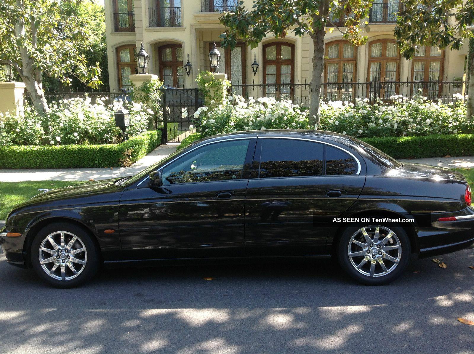 2000 Jaguar S - Type Base Sedan 4 - Door 4.  0l S-Type photo