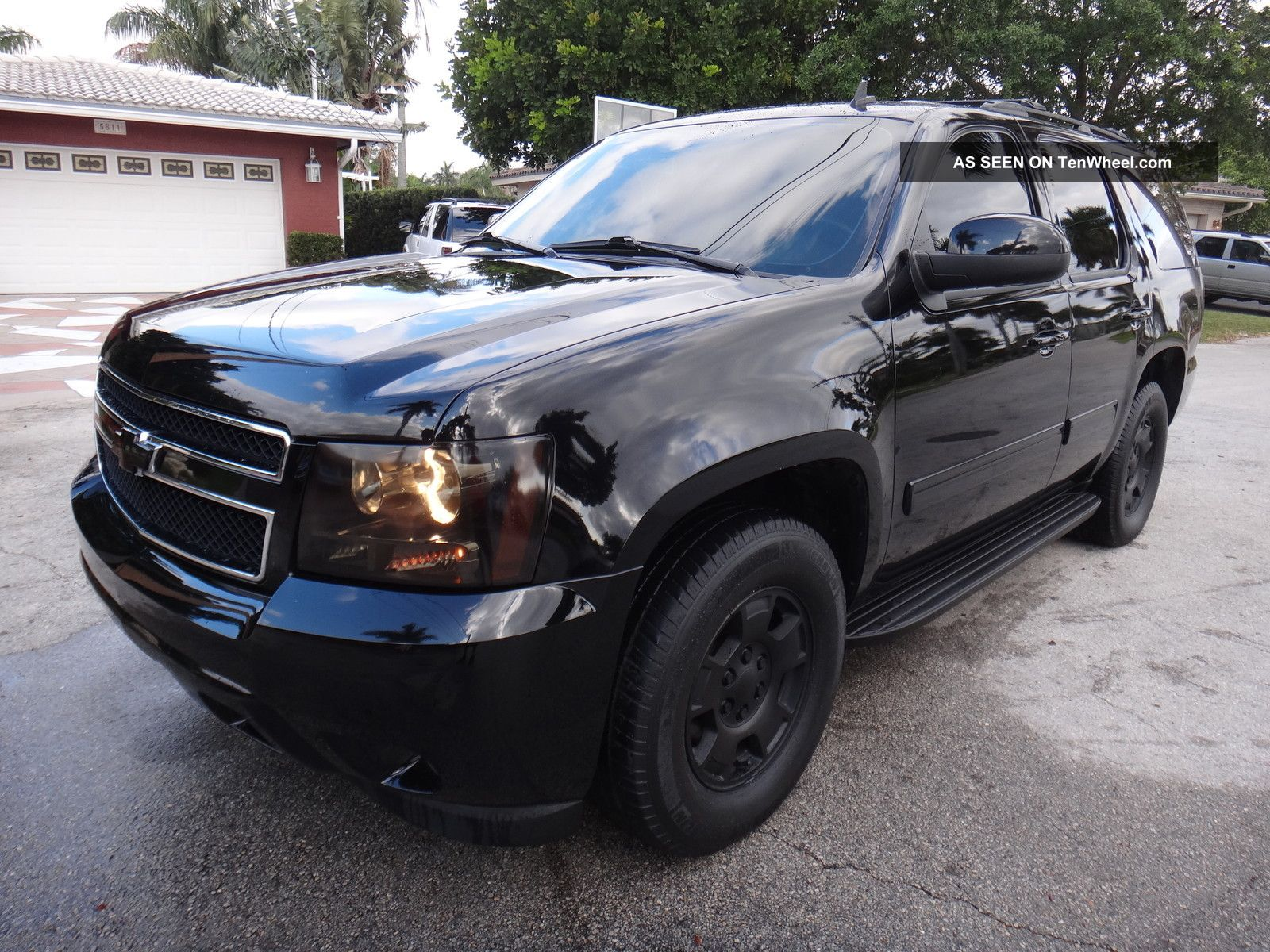 2010 chevrolet tahoe blacked out dvd players show truck fl suv hot truck. Black Bedroom Furniture Sets. Home Design Ideas