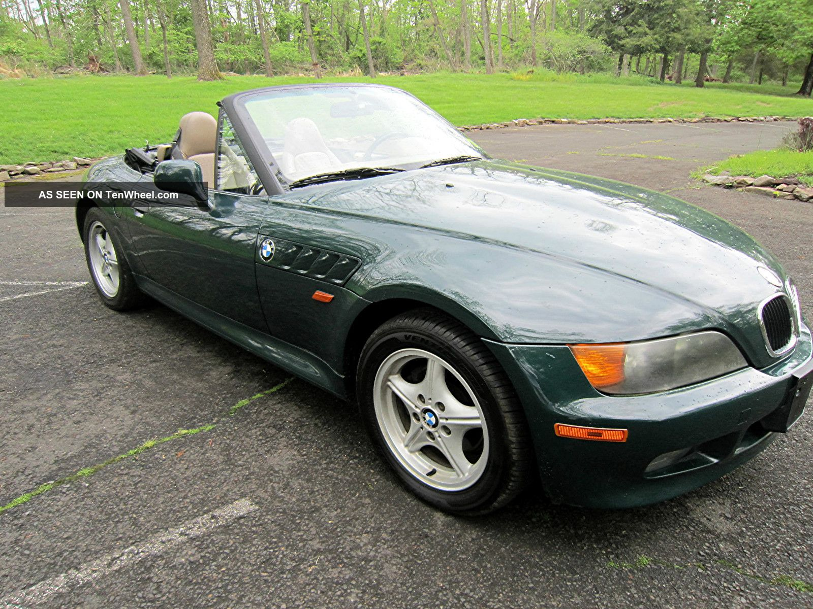 1997 bmw z3 roadster convertible 2 door 1 9l with. Black Bedroom Furniture Sets. Home Design Ideas