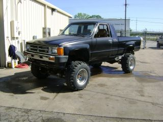 1986 V8 Toyota Pickup 4x4 Ex Cab Bad Boy Toy 4cam 32valves photo