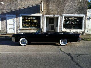 1962 Lincoln Continental Convertible photo